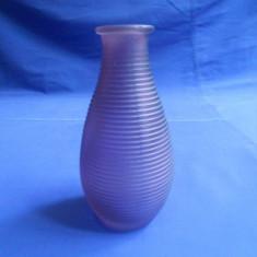 VAZA DIN STICLA MODERNA - Vaza sticla