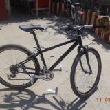 Vand Bicicleta [MTB] [Aproape noua]!!!