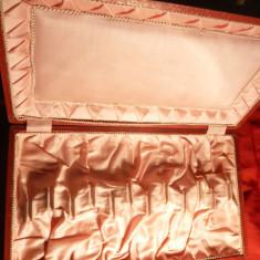 Cutie veche pt. lingurite din argint, lemn, carton, 34, 1 x 19, 8 x 3, 7 cm