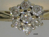 INEL AUR 18K CU 0.50 CT DIAMANTE IN FORMA DE FLOARE