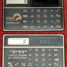2 calculatoare de buzunar de dimensiunea unui card