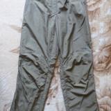 Pantaloni Umbro ; marime 38: 62-92 cm talie elastica, 101 cm lungime etc.