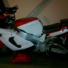 Yamaha YZF 750 R - Motocicleta Yamaha