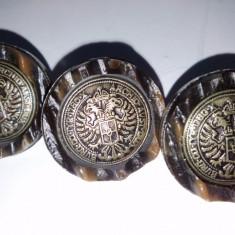 Lot nasturi imitatie corn de cerb cu motive numismatice austriece.