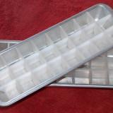 Tăviţe din aluminiu pentru cuburi de gheaţă
