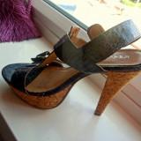 Sandale cu toc si platforma, comode