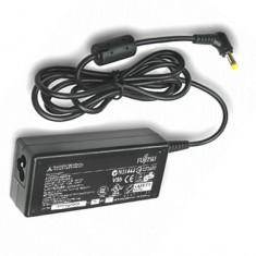 Incarcator Laptop Fujitsu Siemens Fujitsu S26113-E519-V15 adaptor 20V 4.5A 90W 5.5x2.5mm, Incarcator standard