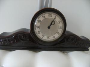 Superb ceas de semineu din portelan