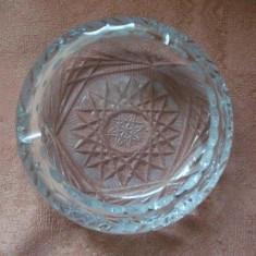 SCRUMIERA DIN CRISTAL - Arta din Sticla