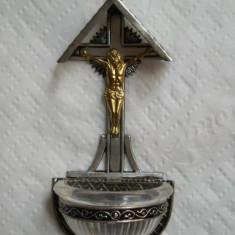 Splendid si Vechi Crucifix Isus cu Suport pentru Apa Sfintita patina minunata