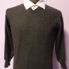 Pulover Valentino , 100% original