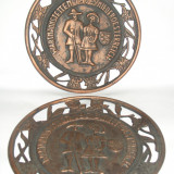 Farfurie decorativa din metal femeia si barbatul 1973 - Sculptura
