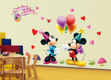 Cumpara ieftin Autocolant Mickey and Minnie Mouse Sticker Perete 2018,DECOR CAMERA COPIILOR