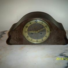 Ceas de semineu Emsa perfect functional Germania bataie pe bare de rezonanta