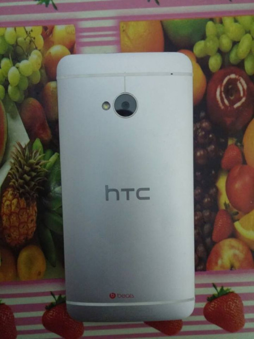 Vand/Schimb HTC ONE m7 - 9.5/10 ~ FULL BOX! foto mare