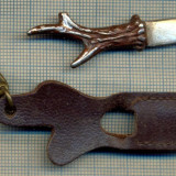 ATAM2001- Breloc vechi 291, pentru colectionari -  MINIATURA CUTIT VANATORESC SI TEACA, STILIZATE -starea care se vede