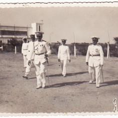 Ministrul Aerului si Marinei General Paul Teodorescu+General aviatie Giosanu Haralambie in vizita la Scoala de Tir si Bombardament Aerian 1939 - Fotografie veche
