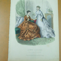 Moda costum rochie oglinda  gravura color La mode illustree Paris 1867