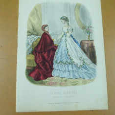 Moda costum rochie palarie evantai bijuterii gravura color La mode ilustree Paris 1868 - Revista moda