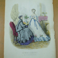Moda costum rochie palarie  gravura color La mode illustree Paris 1867