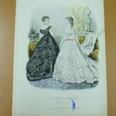 Moda costum rochie evantai   gravura color La mode ilustree Paris 1868