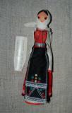 Papusa etno / imbracaminte folclorica, traditionala, din lemn cu fata pictata