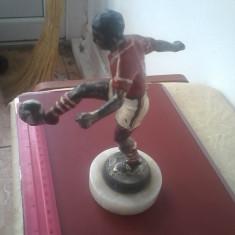 bnk div Statueta metal pe postament mamura - Fotbalist