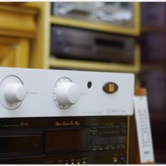 UNISON RESEARCH UNICO NUOVO amplificator audiofil pe lampi la SUPEROFERTA