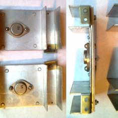 Radiatoare aluminiu pentru tranzistori capsula TO-3(2N3055) cu tranzistori AD131 pe ei, 105x65x27mm, 2 bucati