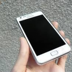 Vand Samsung S2 - Telefon mobil Samsung Galaxy S2, Alb, 1GB, Neblocat