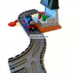 SODOR PAINT STATION SET Thomas And Friends Take Along - include locomotiva Thomas cu magnet - ( transport gratuit la plata in avans ) - Trenulet Thomas and Friends, Plastic, Unisex