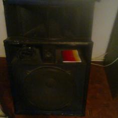 Sistem audio format din statie CAT CS-900 si 2 boxe(350W bucata)