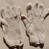 Manusi hand made din macrame - Manusi Dama, Marime: M, Culoare: Alb