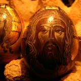 vand icoana pe coaja de ou , tempera , foita de aur.