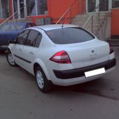 Renault Megane 2 culoare alb, diesel 1.5 DCI 60 KW, motor tip k9k722 - Dezmembrari Renault