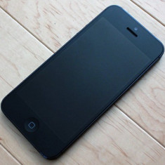 iPhone 5 Apple neverlock, Negru, 16GB, Neblocat