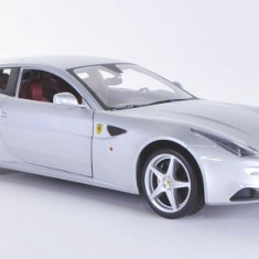 1067.Macheta Ferrari FF Silver - HOT WHEELS scara 1:18 - Macheta auto