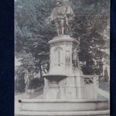 Bruxelles - Statuie a contilor d'Egmont - Vedere circulata
