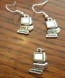Set cercei si pandantiv metal argintiu forma calculator/PC