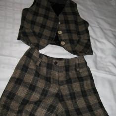 Costum de dama in carouri- vesta si pantaloni scurti - Costum dama, Marime: S, Culoare: Maro