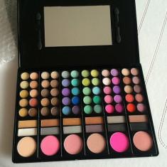 Trusa Make-up Profesionala 78 culori model cu blush