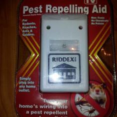 Pest Ripeller Riddex- Aparat cu ultrasunete impotriva sobolanilor, gandacilor, paienjenilor sau insectelor nedorite