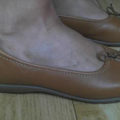 Pantofi din piele marimea 38, 5, arata impecabil! - Pantof dama, Culoare: Maro, Rosu, Marime: 39, Cu talpa joasa