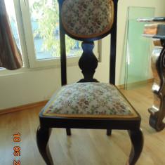 Masa + 4 scaune vechi
