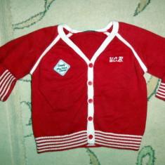 Puloveras rosu f dragut, marca Benetton, baietei 6-9 luni, Baieti