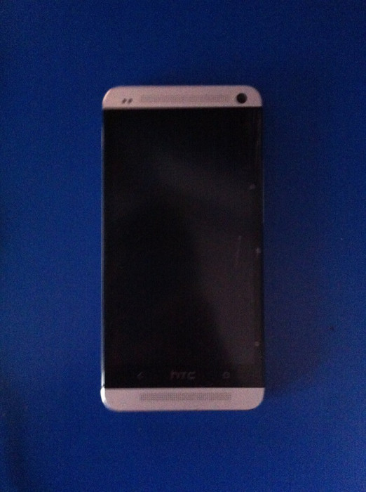 Vand HTC One 32Gb,stare perfecta de functionare,arata 9.8/10 foto mare