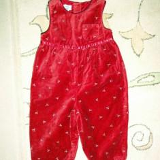 Salopetica draguta de catifea, marca OshKosh, fetite 18 luni