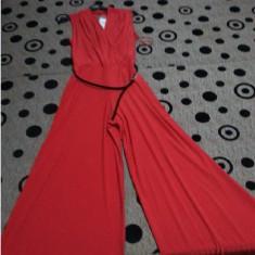Vand Haine Dama - Costum dama, Marime: 38, 40, 42, 46, Culoare: Negru, Rosu, Rosu