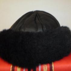 Caciuli superbe piele naturala +oaie - Caciula Dama, Culoare: Negru, Marime: 44/46