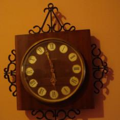 Ceas perete IANTAR (vechi, colectie, rusesc, sovietic) - Ceas de perete
